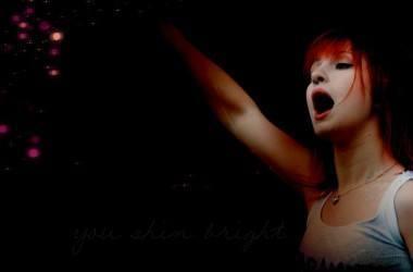 Hayley Williams do Paramore no violão : escute agora!