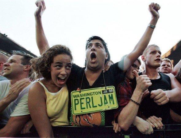 pearl-jam-fans-rock-cabeca